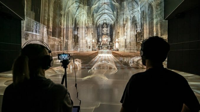 The translucent St. Stephen's Cathedral. (c) Ars Electronica – Robert Bauernhansl