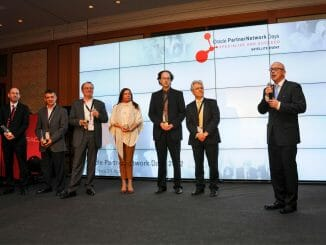 """DBConcepts gewinnt """"Oracle Excellence Specialized Partner of the Year"""" Award in der Kategorie Engineered Systems. (c) Oracle"""